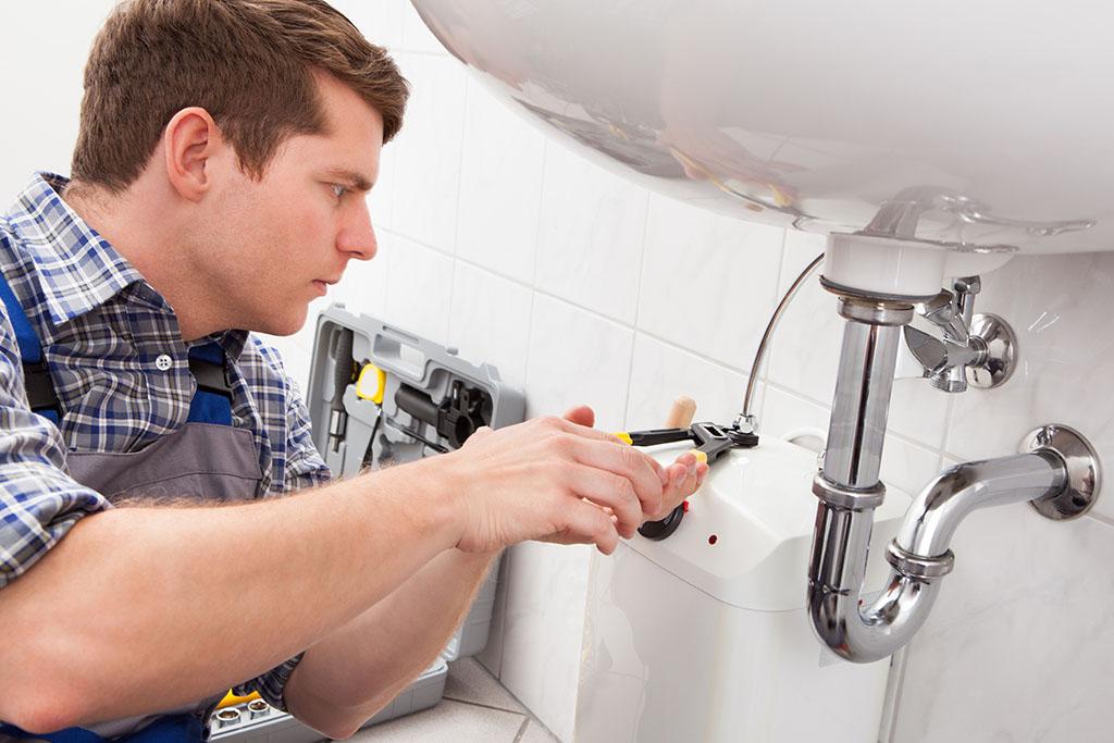 Sanitärinstallateur/in